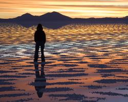 Watching_Sunset_Salar_de_Uyuni_Bolivia