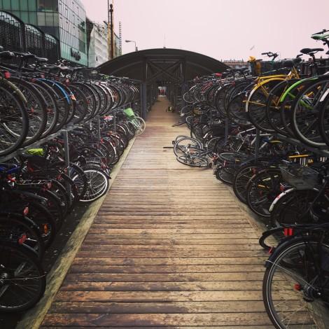 Un estacionamiento de bicis en Aarhus.