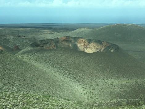 caldera+volcan+timanfaya+lanzarote naturaleza en lanzarote