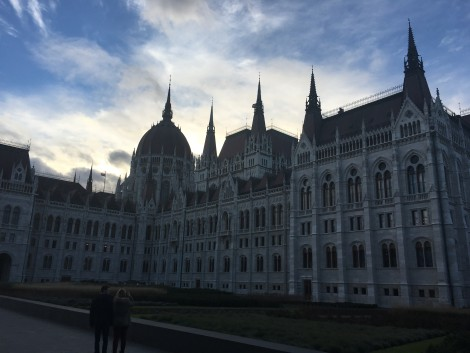 parlameto+budapest+wow