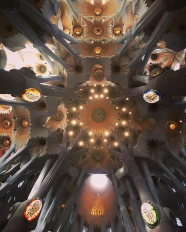 techo+sagrada+familia+barcelona+ceiling