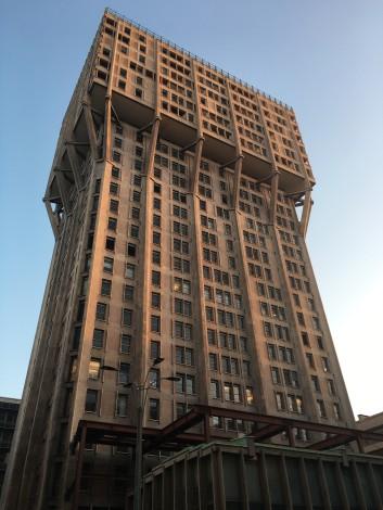 edificio+raro+milan días en milán