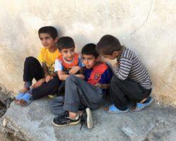 chicos+kurdistan+juganddo+calle