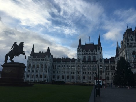caballo+parlamento+budapest