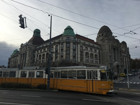 tren+budapest+tranvia